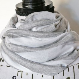 Nursing Scarf/ Cover grey/white - stripe
